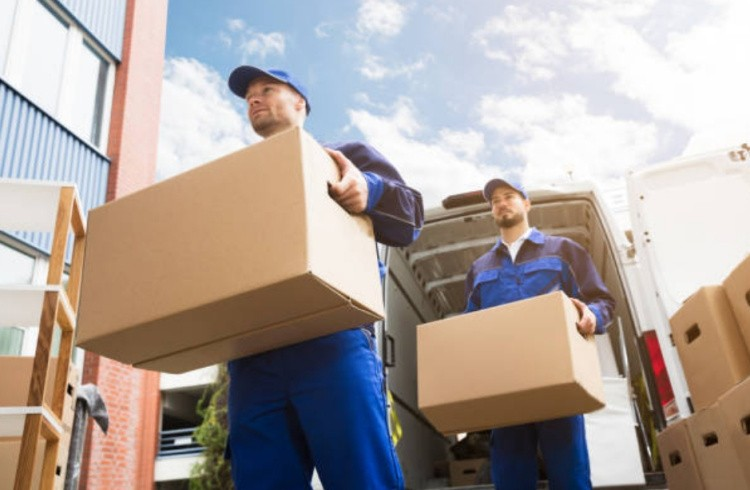 Как организовать переезд на новую квартиру самостоятельно с грузчиками