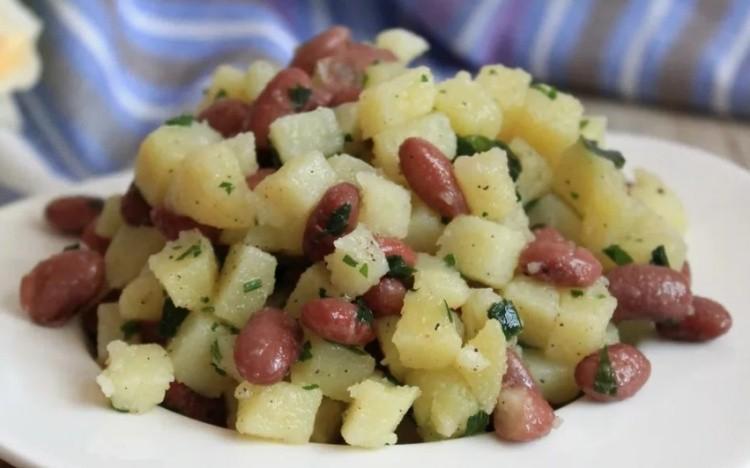 Салат из картофеля с фасолью
